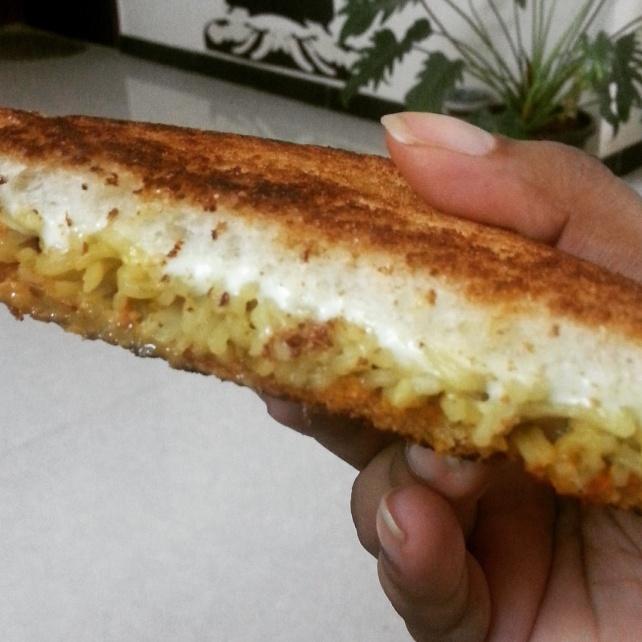 Pasta_sandwich