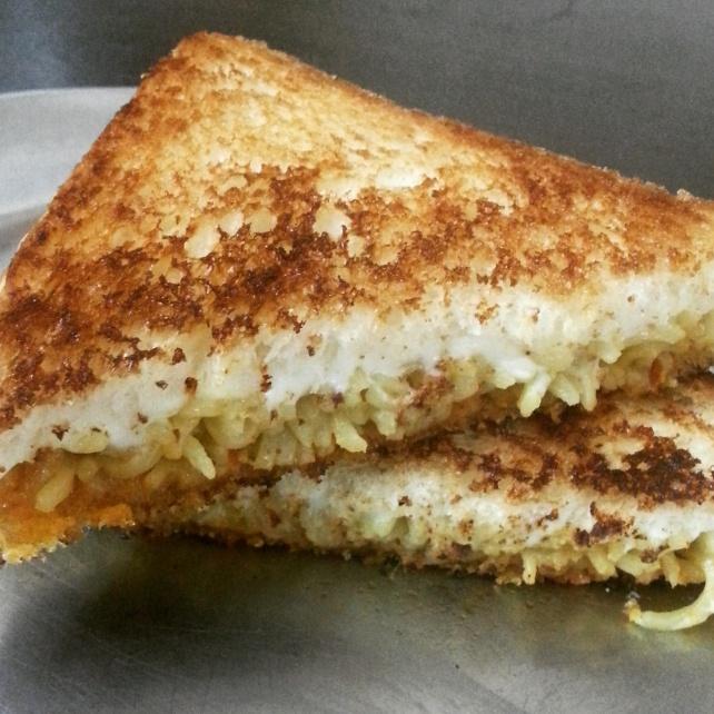 Pasta_sandwich_2